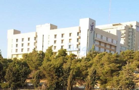 عمليّات منظارية متقدّمة للمسالك البوليّة بمستشفى الجامعة الأردنية