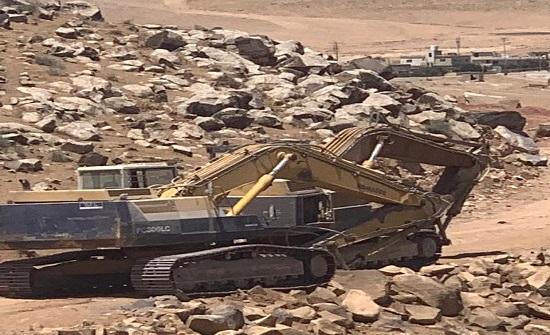 المياه: ضبط (6) حفارات مخالفة تستخرج البازلت في الخربة السمرا
