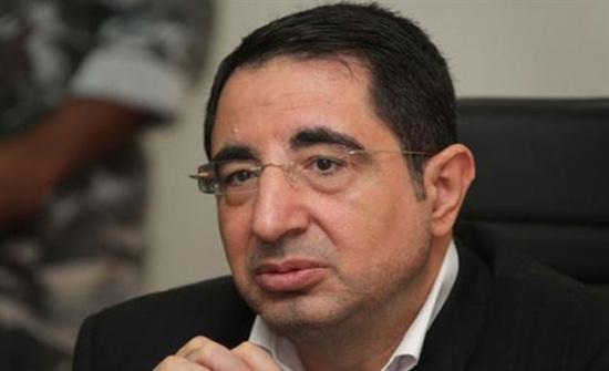 وزير الصناعة اللبناني يدعو شركات ومستثمري بلاده إلى إعداد أنفسهم للمساهمة في إعادة إعمار سورية