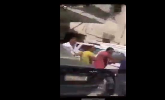 بالفيديو : مشاجرة عنيفة بين مصريين في الكويت