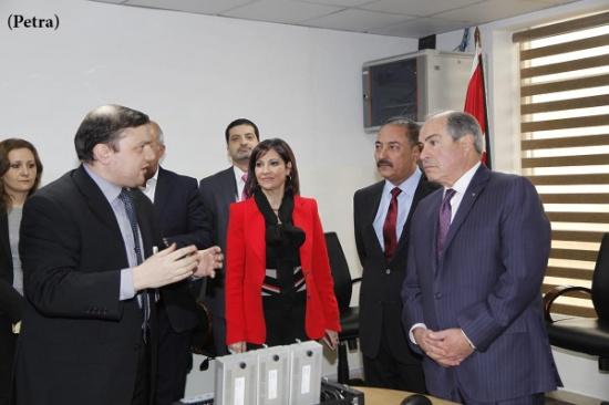 رئيس الوزراء يزور هيئة تنظيم قطاع الاتصالات