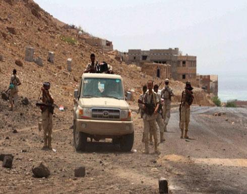"""الجيش اليمني يعلن شمال وشرق تعز """"مناطق عسكرية"""""""