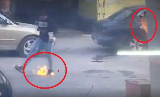 بالفيديو : شاهدوا لحظة احتراق سيارة في محطة محروقات .. ومواطنون : الحق على الحكومة