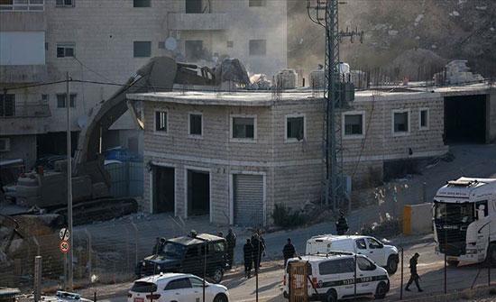 """الشرطة الإسرائيلية تعتدي على متظاهرين ضد """"سياسة الهدم"""""""