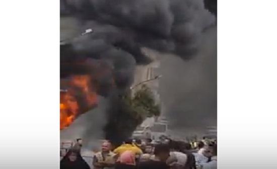 بالفيديو ... حريق واسع في محل اطارات بالعبدلي .. واغلاق حركة السير