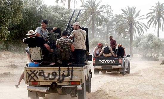 """قوات حفتر تقصف """"غريان"""" والوفاق ترد بغارات جوية"""