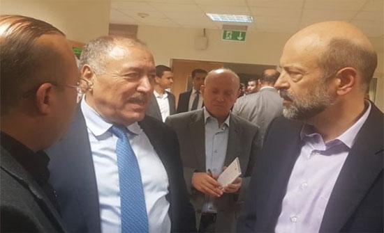 الرزاز في زيارة مفاجئة لمستشفى الكرك ..  فيديو وصور
