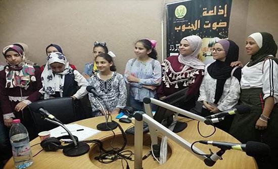طالبات النادي الصيفي لمشروع مكاني في زيارة علمية لجامعة الحسين بن طلال