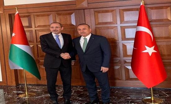 الاردن وتركيا يبحثان الجهود المستهدفة لحل أزمات المنطقة