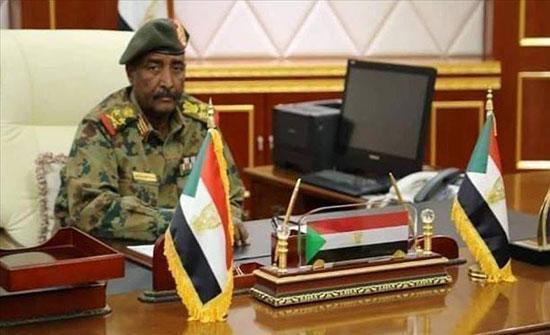 البرهان يطلع وفدًا من البرلمان العربي على تطورات الأوضاع بالسودان