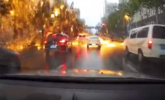 فيديو| صاعقة 'المطر الناري' في الصين