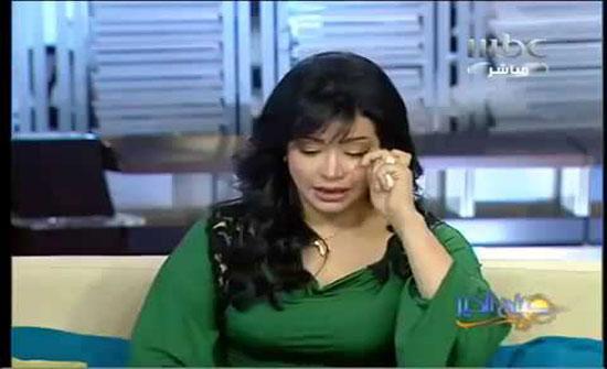 بالفيديو - لجين عمران تنهار بالبكاء على زميلتها الإعلامية الراحلة آلاء العوادي