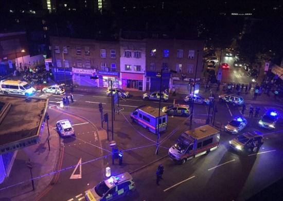 قتلى وجرحى من المسلمين في حادث دهس بالقرب من مسجد فينسبيري بارك شمال لندن