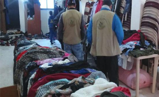 توزيع ملابس شتوية على أسر معوزة بالقصر
