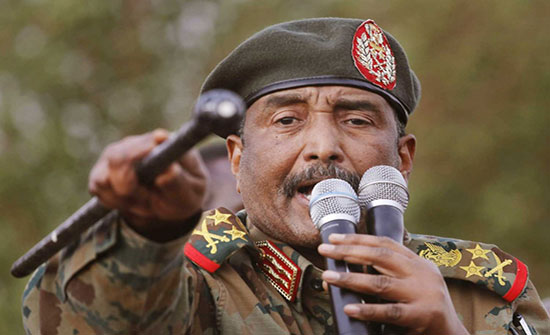 """البرهان يتهم قوى من """"التغيير"""" بالمشاركة بـ""""محاولة الانقلاب"""""""