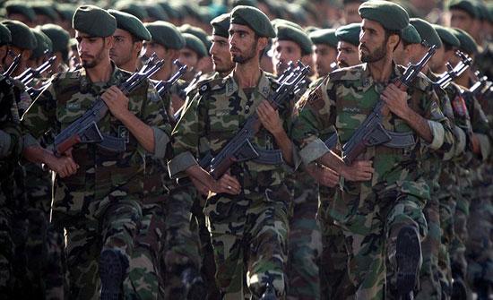 بالفيديو : 20 قتيلاً في هجوم انتحاري على حافلة للحرس الثوري بإيران