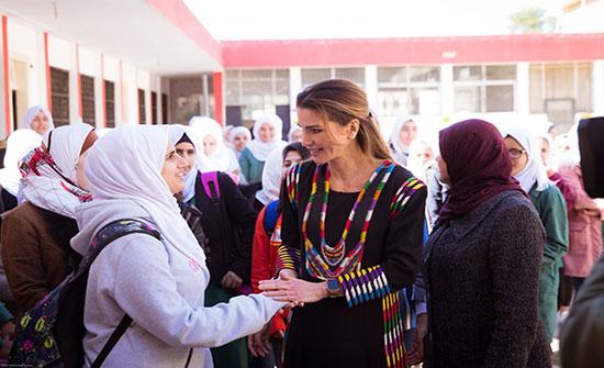 بالصور : الملكة رانيا تزور جرش وتلتقي رؤساء جمعيات
