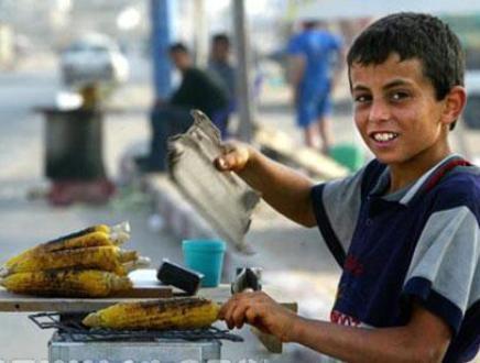 اطفال عاملون في رمضان: الشهر الفضيل فرصة لزيادة الدخل