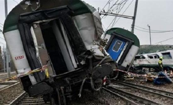 17 اصابة جراء خروج 8 عربات قطار عن مسارها في باكستان