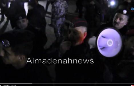 بالفيديو : بداية التدافع بين معتصمي الرابع والامن في اعتصام الخميس