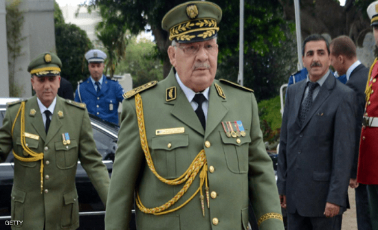 """قايد صالح يؤكد على أهمية الانتخابات.. ويتوعد """"العملاء"""""""
