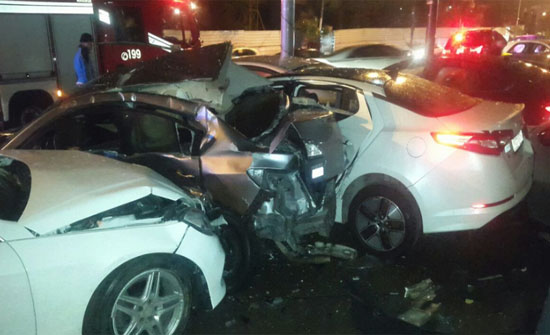 3 اصابات بتصادم 10 مركبات على دوار المشاغل بعمان.. (صور)