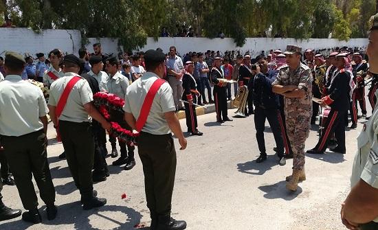 آلاف يشيعون الشهيد الهياجنة بمسقط رأسه في بلدة دير السعنة
