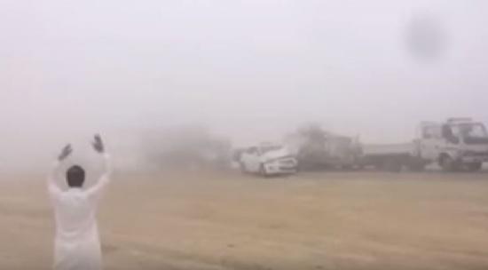 شاهد: تصادمًا كارثيًا بسبب الضباب