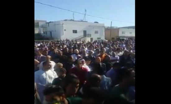 بالفيديو / المئات يشيعون جثمان الدكتور الشياب في الصريح