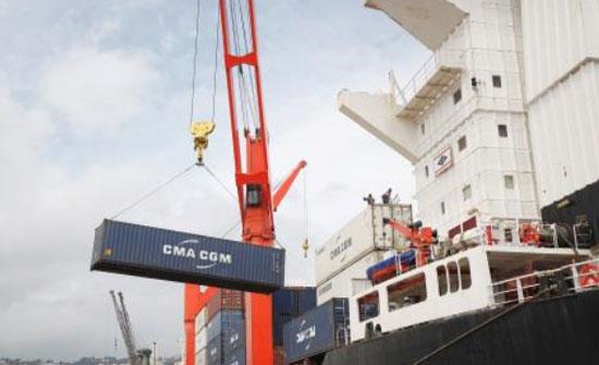 الأردن يطالب الجزائر برفع القيود عن صادراته