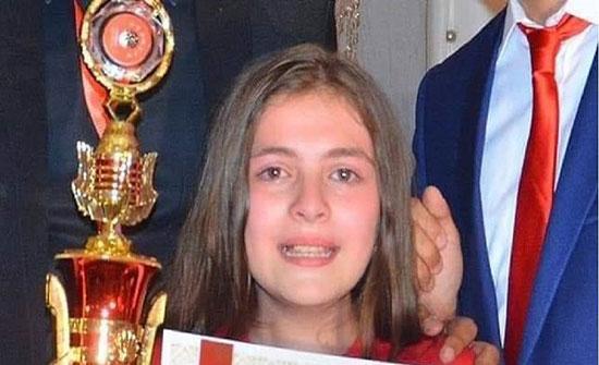 """بالصور.. فتاة سورية تحصل على لقب """"أذكى طفل في العالم"""""""