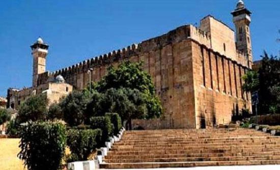 الاحتلال يمنع رفع الأذان 294 وقتا في الحرم الإبراهيمي