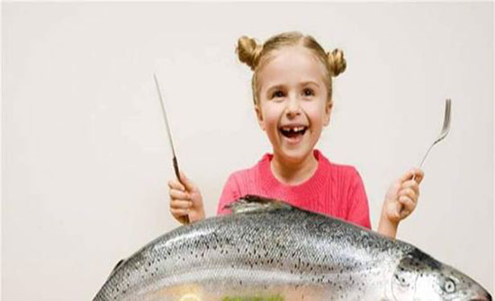 الأسماك تحمي صحة أطفالكم.. واليكم الدليل