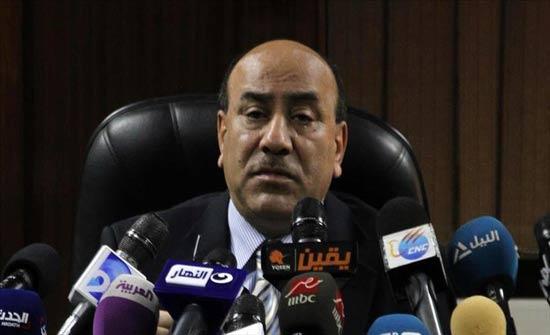 """مصر.. اعتداء بالسلاح الأبيض على """"هشام جنينة"""" المرشح كنائب للفريق عنان"""