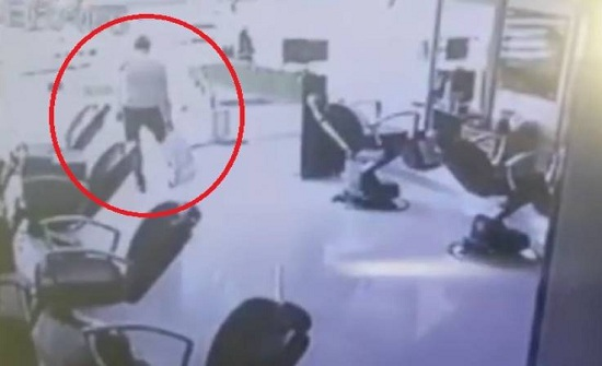 فيديو| وفاة لص أثناء عملية سرقة في مصر