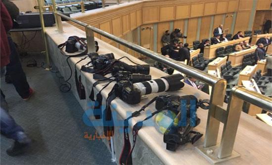 صحفيون يصدرون مذكرة بعد منعهم من التصوير داخل القبة..(صور)