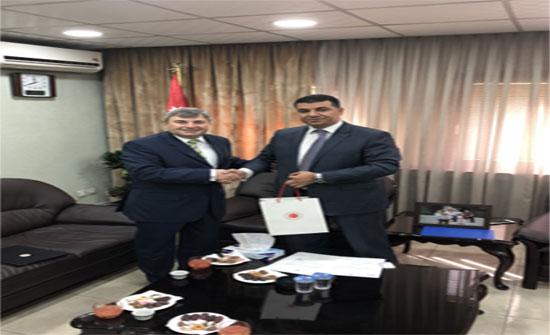 مساع أردنية - تركية لحل أزمة فائض محصول البندورة