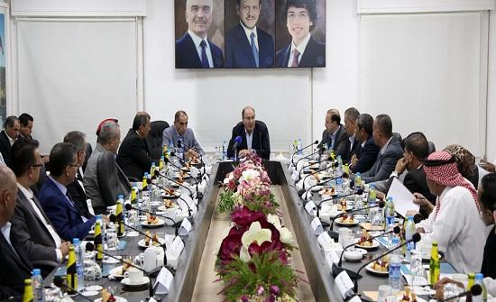 رئيس الوزراء يلتقي المجلس التنفيذي ومجلس المحافظة في العقبة