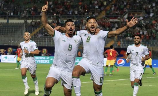 الجزائر تضرب غينيا بثلاثية وتتأهل لربع نهائي الكان (شاهد)