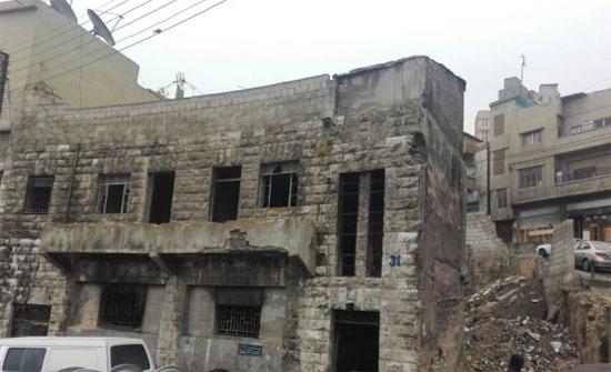 الأمانة تباشر بإزالة المباني المهجورة