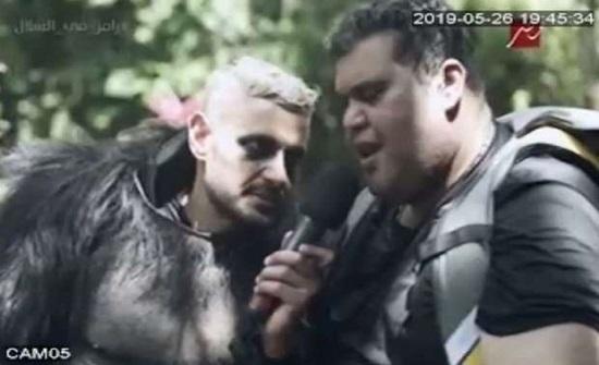 أحمد فتحي يعتدي بالضرب على رامز جلال (فيديو)