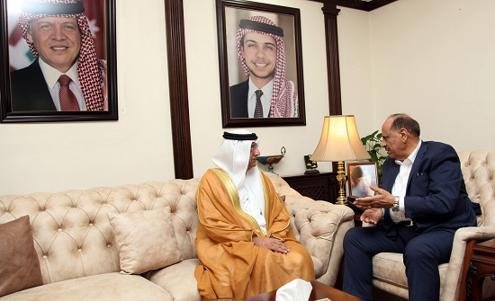 وزير الداخلية يلتقي السفير الاماراتي