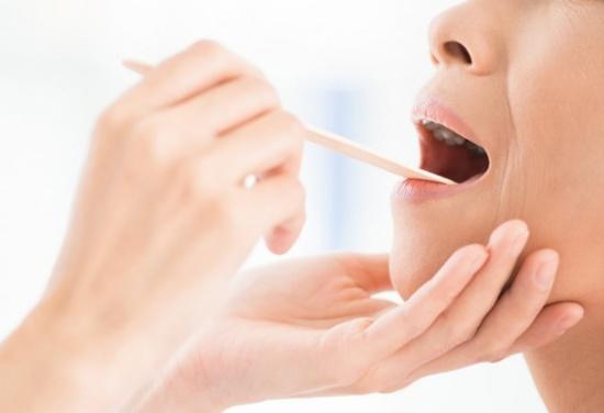 سرطان الفم.. تعرف على الأعراض والأسباب وطرق العلاج