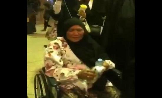 وداع مؤثر من عائلة سعودية لخادمتهم -فيديو