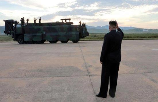 كوريا الشمالية تحضر صواريخا باليستية أكثر تطورا