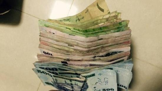 الشرطة السعودية تعتقل عائلة ثرية تتسول ومعهم 5 'سيارات فارهة'!