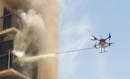 أبو ظبي تختبر طائرة مسيرة لإخماد الحرائق