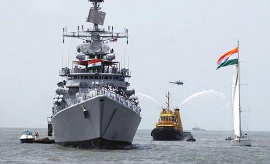 البحرية الهندية ترسل سفينتين حربيتين إلى الخليج لتأمين الملاحة