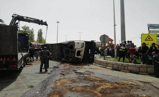 بالفيديو والصور .. شاهدوا حادث الحافلة السياحية في البترا