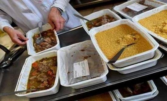 لحم الخنزير وجبة إجبارية بإحدى المدارس